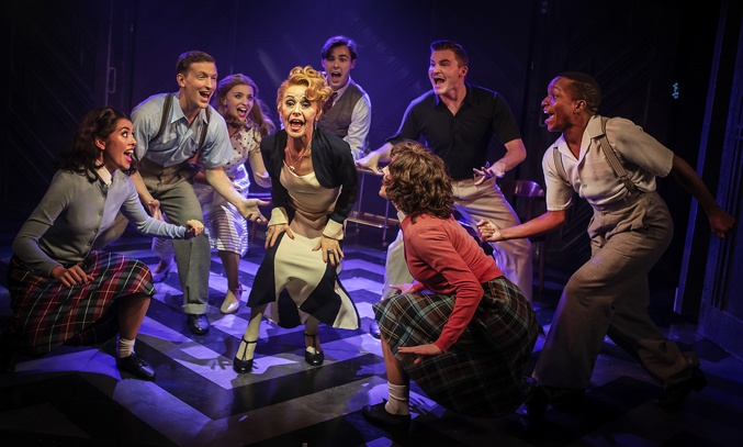 Tracie Bennett (Mame) and the cast of MAME