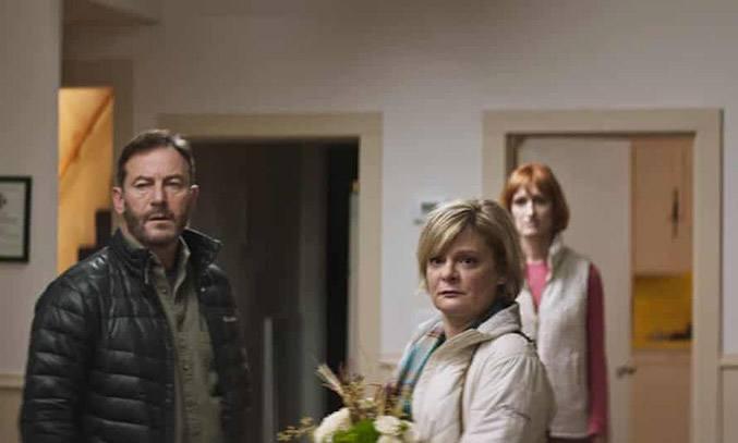 Martha Plimpton and Jason Isaacs in Mass Film (2021)