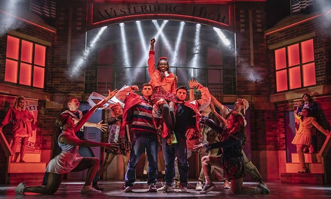 The cast of HEATHERS THE MUSICAL UK Tour 2021